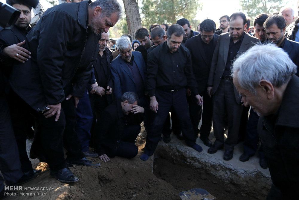 مراسم تشییع پیکر مرحوم عزیز الله اسماعیلی