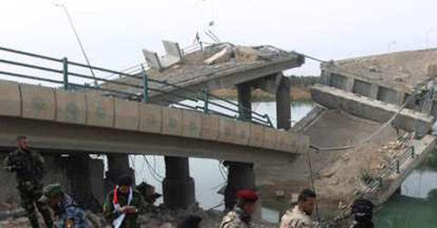 داعش يفجر جسور دجلة لاعاقة تقدم القوات العراقية الى غرب الموصل