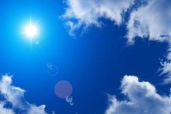 آسمان فارس همچنان آفتابی است/ خبری از باران نیست