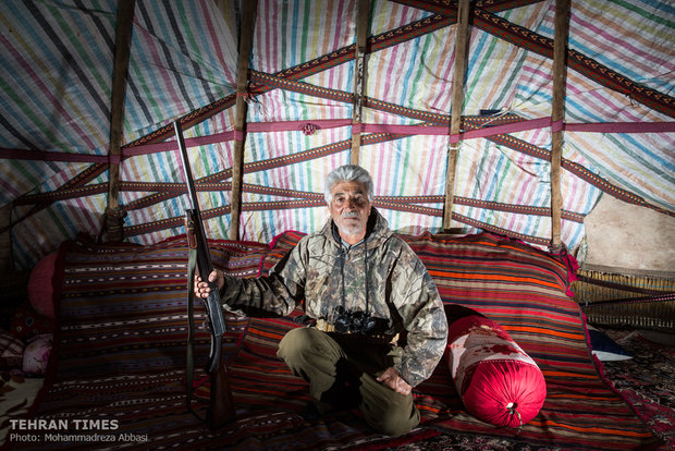 The nomads lead a simple and peaceful life in tents.
