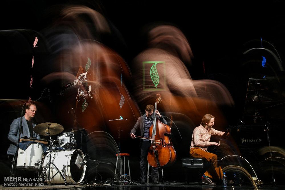 اولین شب سی و دومین جشنواره موسیقی فجر
