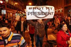 صحيفة بريطانية : ترامب لا يتصرف كرئيس وتنصيبه سيكون نذير شؤم