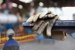 وقتی بار سنگین تصمیمات غیراصولی بر دوش کارگران صنایع می افتد