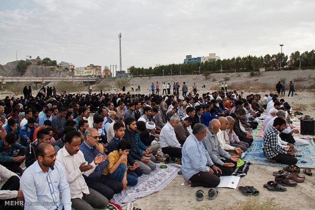 اقامه نماز طلب باران در میناب