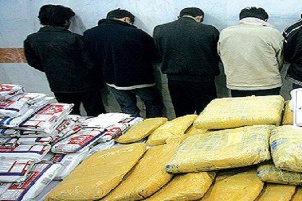 ۴ توزیع کننده مواد مخدر در شهرستان اراک دستگیر شدند