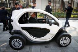Rouhani visits indiginous electric vehicles