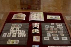 ۱۴ آلبوم تمبر نفیس به موزه ارتباطات اهدا شد