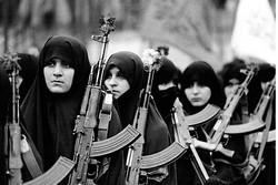 نقش زنان در پیروزی انقلاب اسلامی حیاتی و کلیدی بود