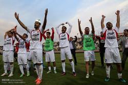 دیدار تیم های فوتبال فولاد خوزستان و پرسپولیس