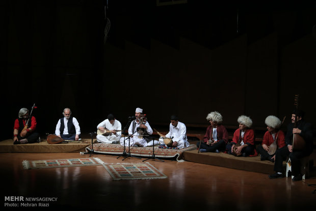 Folklore music at Fajr music festival