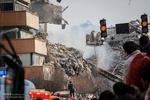 أنباء عن احتمال استشهاد 30 رجل اطفاء بانهيار المبنى المحترق في طهران