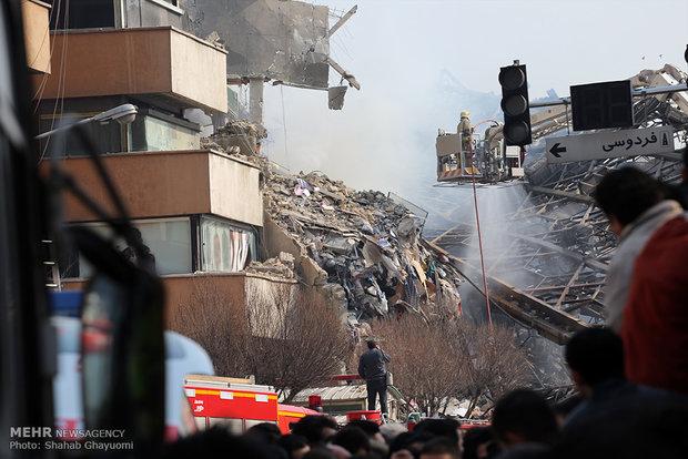 آغاز بررسی خسارت ساختمان پلاسکو از سوی شرکتهای بیمه