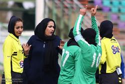 دیدار تیم های فوتبال بانوان ذوب آهن اصفهان و خیبر خرم آباد