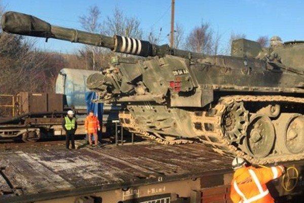عبور تانکهای انگلیس از کانال مانش برای نبرد در اروپا