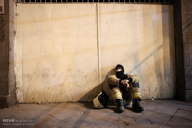 عمليات الانقاذ وازالة الانقاض من بناية بلاسكو وسط طهران