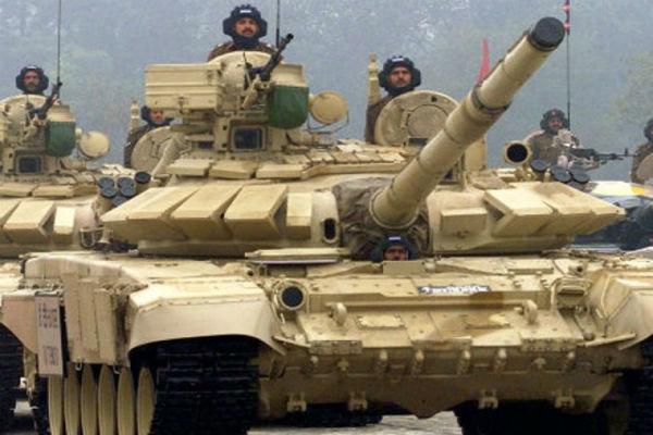 هند بیش از ۳۰۰ میلیارد دلار سلاح از مسکو و تلآویو خریداری کرد