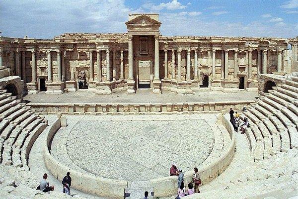 آمفی تئاتر روم باستان