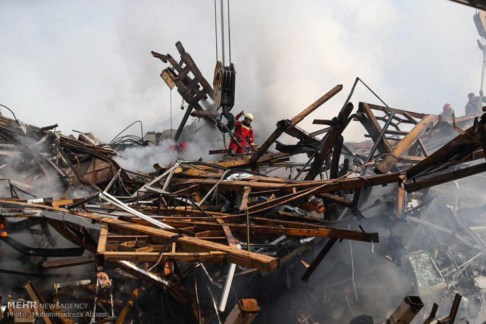عملیات آوار برداری ۶ روز طول می کشد/شنبه عزای عمومی اعلام شد/کشف پیکر اولین شهید آتش نشان