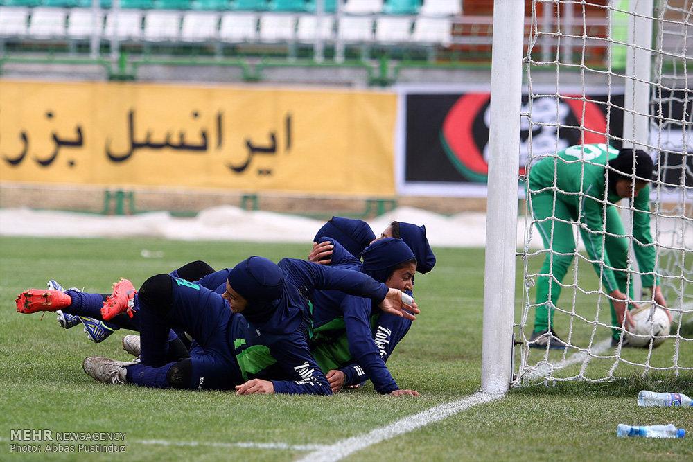 تیم فوتبال زنان ذوب آهن, تیم فوتبال زنان خیبر خرم آباد,تیم فوتبال بانوان لرستان,لیگ برتر بانوان
