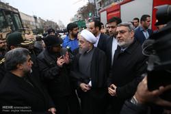 حضور حسن روحانی رئیس جمهور در محل حادثه ساختمان پلاسکو