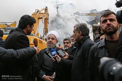 الرئيس حسن روحاني يتفقد عملية ازالة انقاض مبنى بلاسكو / صور