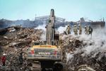 هشت هزار تن آوار از پلاسکو خارج شده است