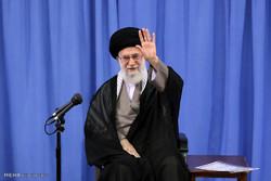 قائد الثورة الاسلامية يستقبل مجموعة من المنشدين وذاكري اهل البيت (ع)