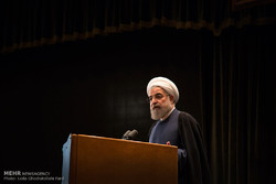 Rouhani urges against panic over US sanctions