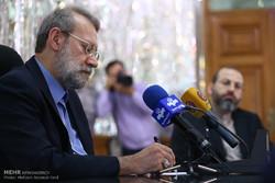 رئيسا برلماني ايران وبيلاروسيا يوقعان على مذكرة تفاهم للتعاون الثنائي