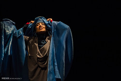 """""""رسائل حب من الشرق الأوسط"""" على خشبة المسرح/صور"""