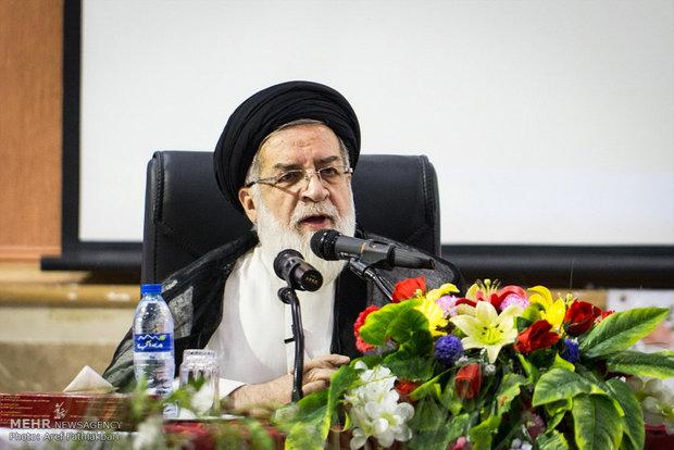 ۲۱۰۰شهید مدافع حرم داریم/تعداد کل شهدا به ۲۳۰ هزار رسیده است