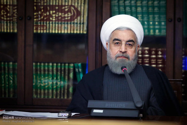 """روحاني: الشعب الايراني سيقدم خلال مسيرات """" 22 بهمن"""" مظاهر العزة الوطنية"""