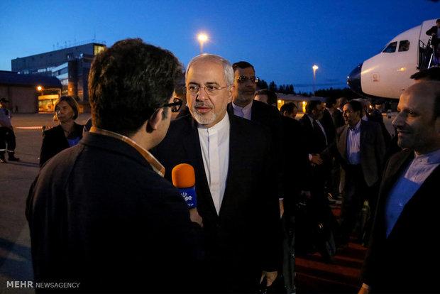 Zarif condemns Tehran's terrorist attacks upon arrival in Turkey