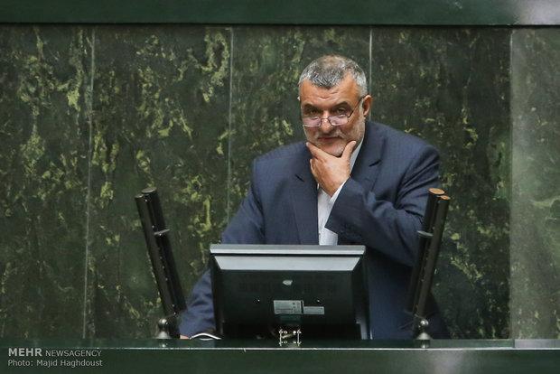 حجتی از کشاورزان عذرخواهی رسمی کند