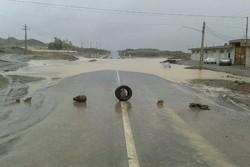 سیلاب ۳ مسیر در شمال سیستان و بلوچستان را مسدود کرد