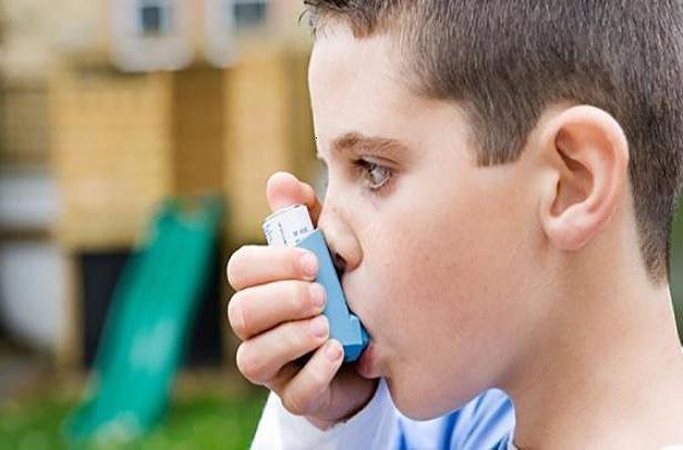 نصب فیلتر هوا در اتاق خواب کودک مبتلا به آسم برای تنفس راحت تر