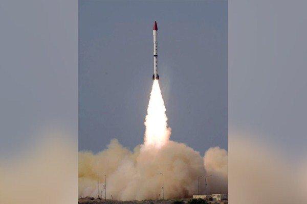 پاکستان موشک بالستیک با قابلیت حمل کلاهک هسته ای آزمایش کرد
