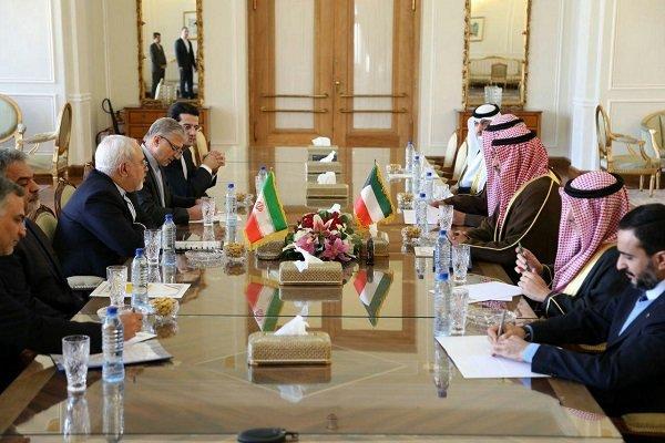 Zarif Kuveyt Dışişleri Bakanı'yla görüştü
