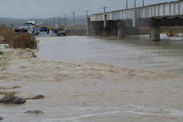 سیلاب ۳ محور در جنوب سیستان و بلوچستان را مسدود کرد
