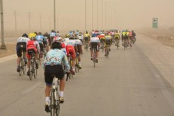 مسابقه دوچرخه سواری در جزیره خارگ برگزار شد