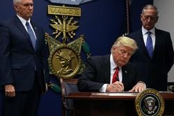 ترامب يعلق برنامج قبول اللاجئين والدخول من بعض الدول