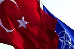 پرچم ترکیه و ناتو