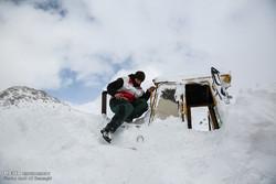 امداد رسانی در مرز باشماق مریوان