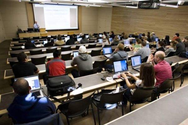 دانشگاه خارجی