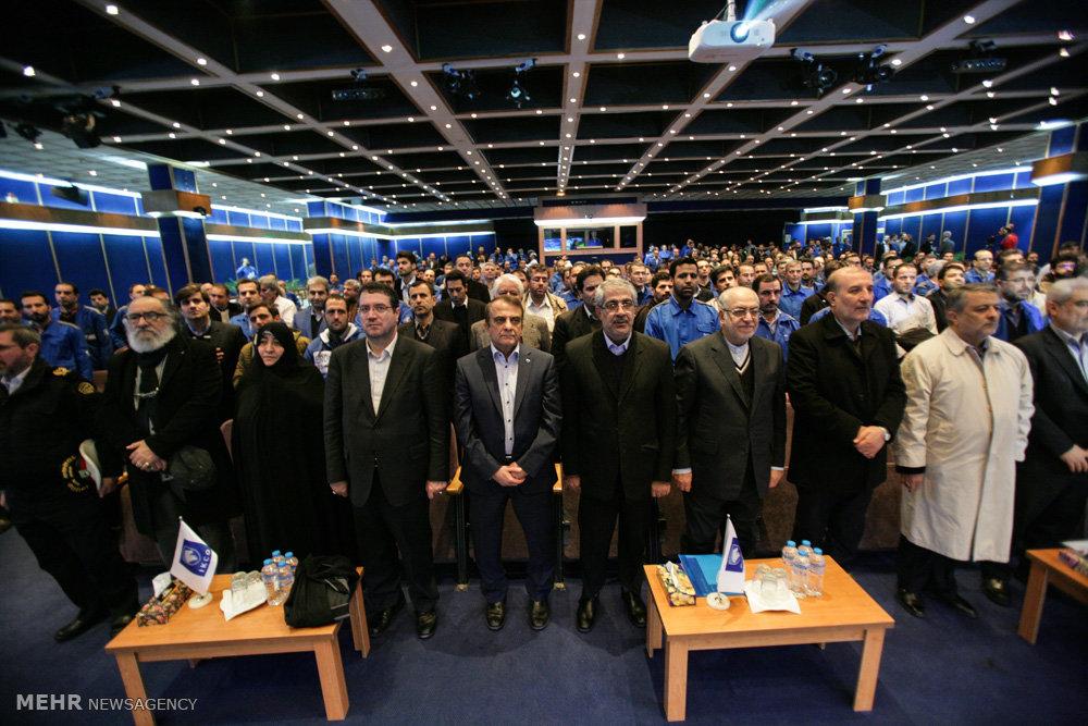 مراسم جایگزینی ۴۰۰۰۰ تاکسی فرسوده با محصولات ایرانخودرو
