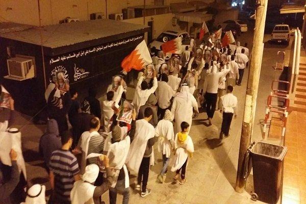 مسيرة ليلية في البحرين تضامنا مع الشعب اليمني