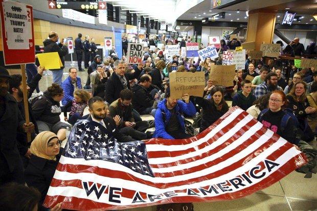 Houstonians protest against Trump's immigration ban