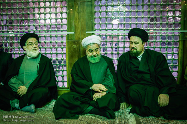 Rouhani, cabinet renew allegiance to Imam Khomeini