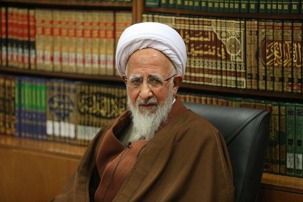 علمی اسلامی است که موضوع آن اسلامی باشد/ عقل در برابر وحی نیست