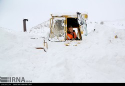 A snow plow was stranded by the avalanche on a road linking Marivan to Saqqez in Kordestan province.